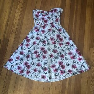 H&M Dresses - Rockabilly Pin-up Strapless Floral Dress from H&M